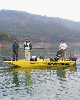 comedero bass fishing boats